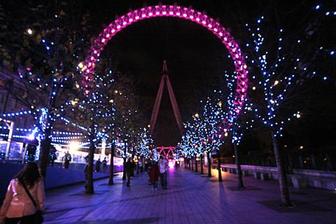 A London Eye iluminada pro Natal