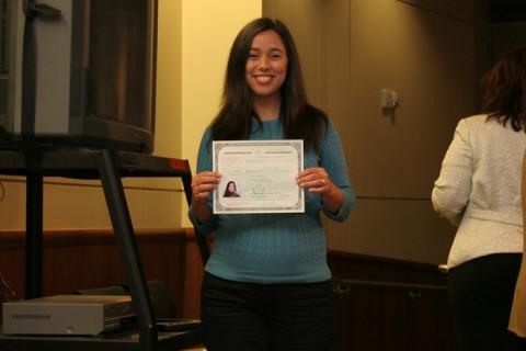 Eu na minha cerimônica de cidadania em 2007 (grávida da Julia)