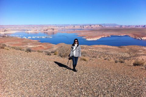 Eu com o Lake Powell ao fundo, em Page, Arizona
