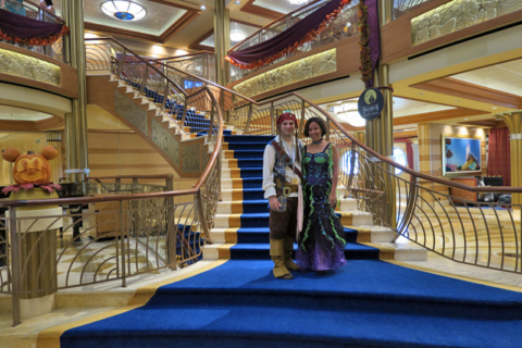 Para a festa de Halloween eu estava de Sereia e o marido de Pirata
