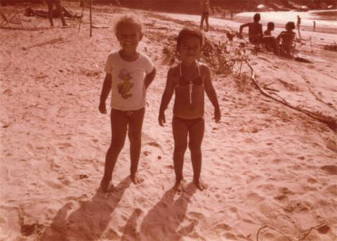 Eu e a Mônica (minha prima) acampando em 1981