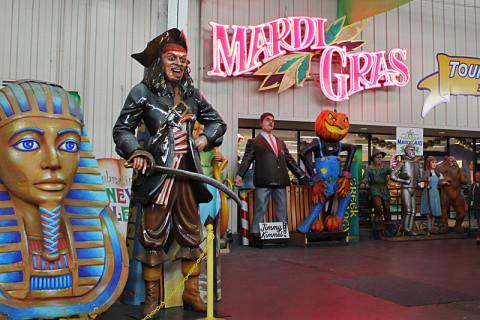 Mardi Gras World em New Orleans: o equivalente deles a um barracão de escola de samba
