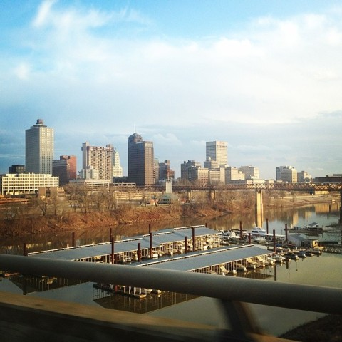 Chegando em Memphis, vista da ponte cruzando o rio Mississippi