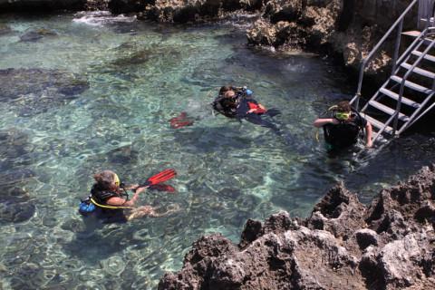 Mergulhadores saindo do Macabuca