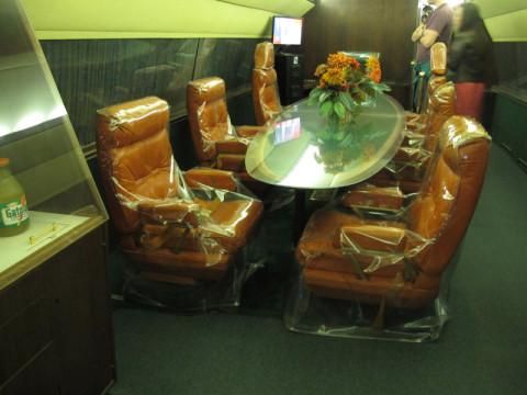 Uma mesa no Lisa Marie