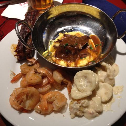 A minha carne preferida, o mac and cheese de lagosta muito bom e a costelinha idem