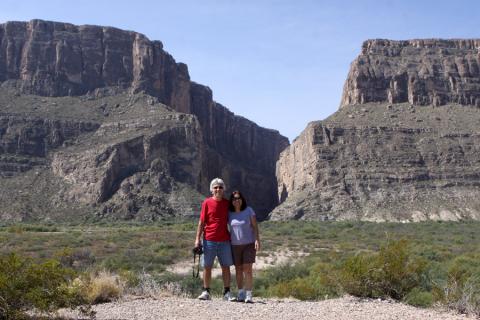 Meus pais no Santa Elena Canyon