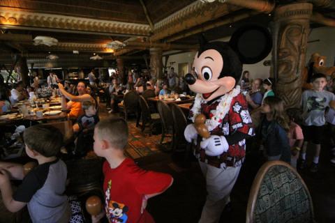 Mickey desfilando no Ohana