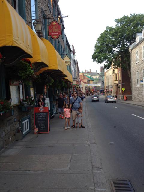 Misuras passeando pela Vieux Quebéc