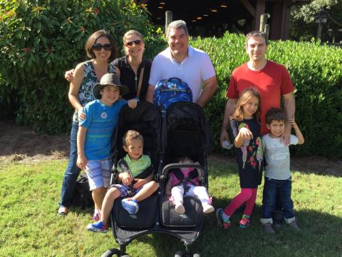 Com os amigos Ricardo e Yara e família, nos despedindo