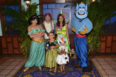Com a Jasmine e o Gênio no Halloween do Magic Kingdom