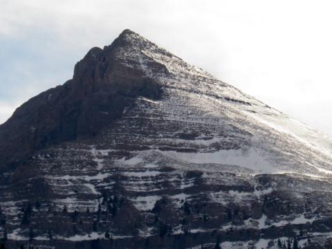 Um pouco de neve na montanha