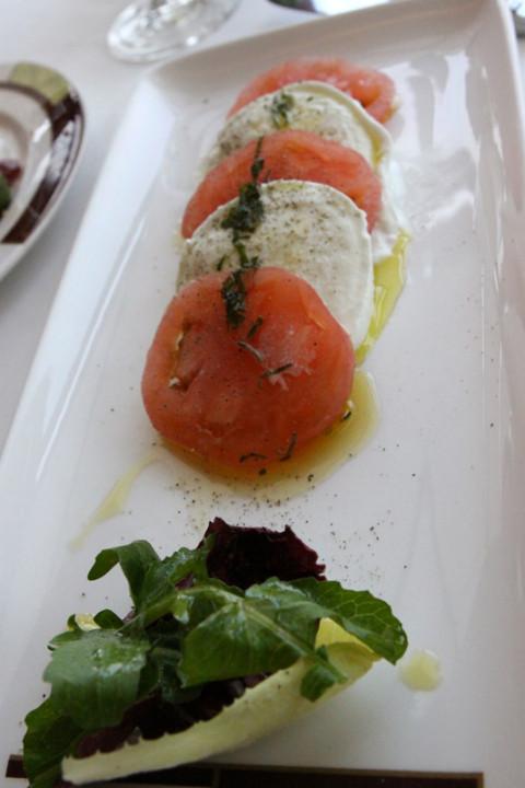 Mozzarella Caprese, tradicional e bem feita