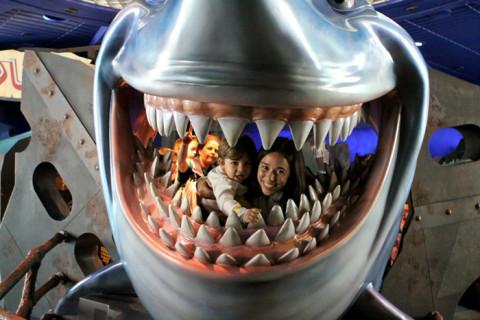 Eu e Eric na boca do Bruce