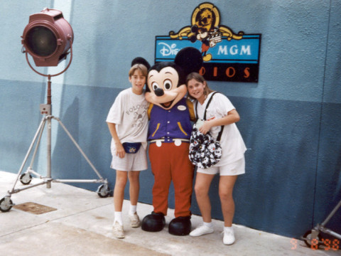 Fernando e a irmã na Disney em 98
