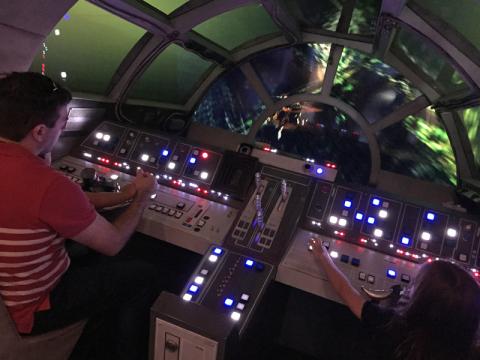 Pilotando a Millennium Falcon