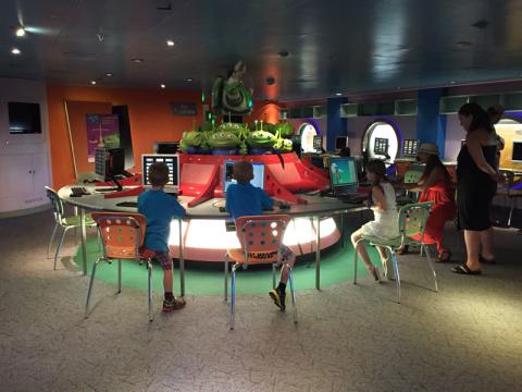 Oceaneer Lab Disney Wonder