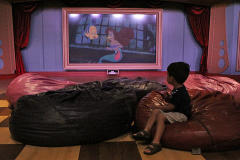 Eric sentou um pouco pra ver o filme