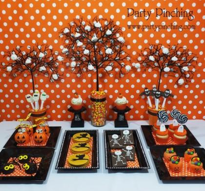 Mesa de doces super bonitinha, clique nesta foto pra conferir todas as fotos