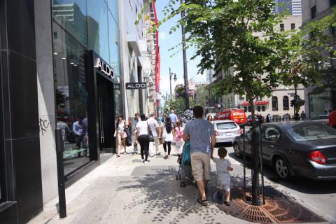 Gabe e Eric passeando por Montréal