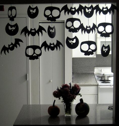 Uma guirlanda de papel para o Halloween