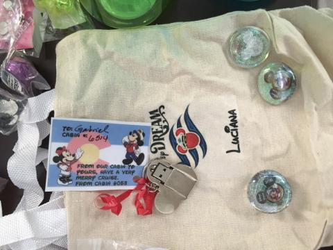 Pen Drive do Mickey que o Gabe ganhou no Fish Extender