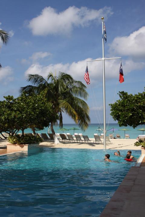 A piscina do Caribbean Club