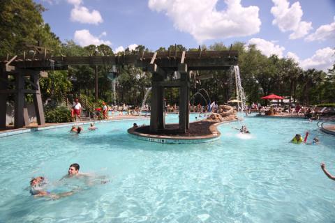 A piscina principal do Port Orleans Riverside, tem outras 5 piscinas menores espalhadas pelo hotel