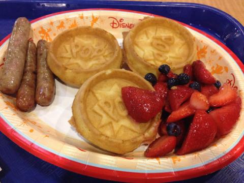 Os Pop Waffles, no café da manhã do Pop Century, gostosinhos