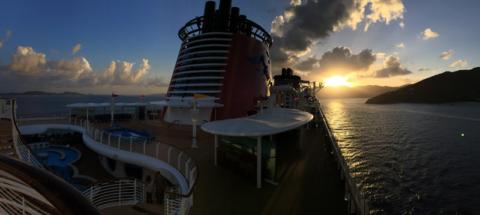 Pôr-do-sol lindo saindo de Tortola