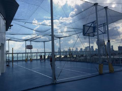 Quadra de esportes no navio