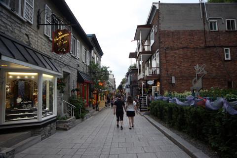 Várias lojas e restaurantes charmosos em Petit Champlain