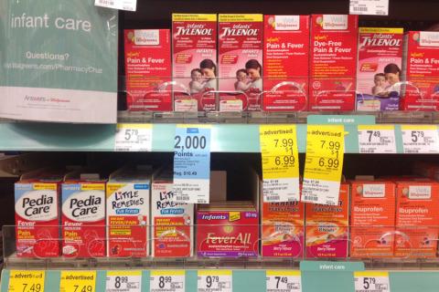 Remédios para febre na Walgreens aqui perto de casa