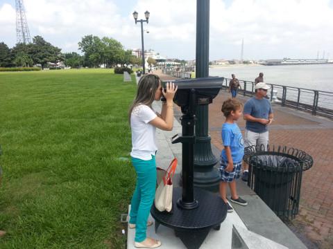 Levando a família pra passear no Riverwalk de New Orleans