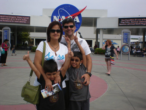 Família curtindo o Kennedy Space Center