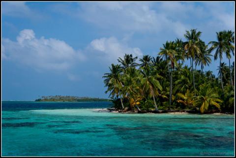 Uma das muitas ilhas de San Blás, Panamá