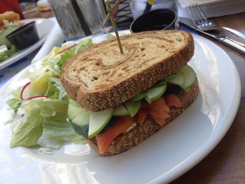 Meu sanduíche de salmão estava bom