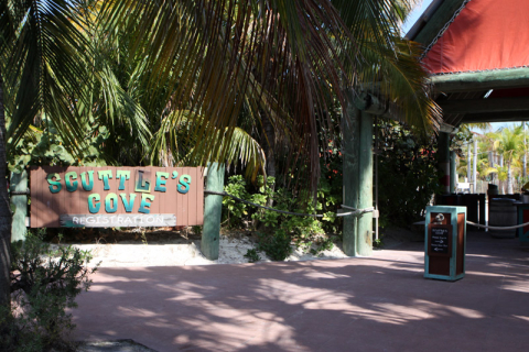 Entrada do kids club, Scuttle's Cove