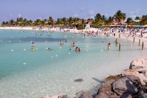 Segunda praia de família em Castaway Cay