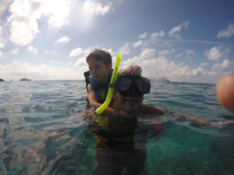 Snorkeling com carona!