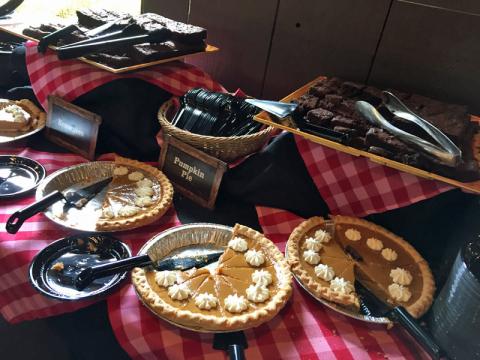 Pumpkin Pie é um clássico de Ação de Graças, e o brownie de sempre