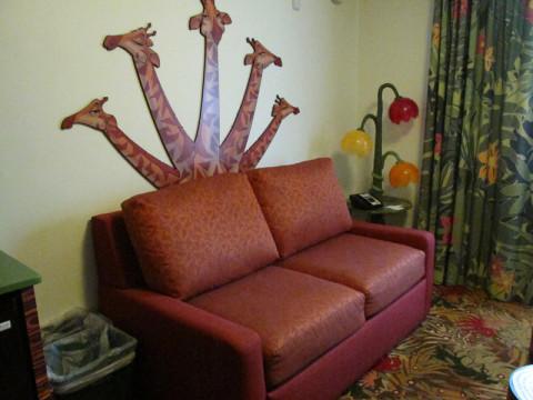 Esse sofá vira uma cama de casal. Foto: Luciana Misura