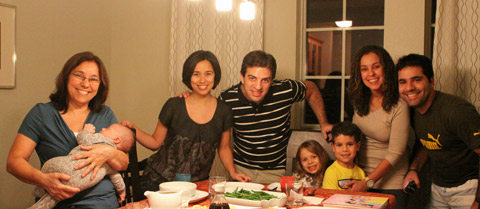 Thanksgiving de 2011, o Eric tinha apenas 1 mês e eu comprei toda a comida pronta - e tivemos a visita dos meus primos