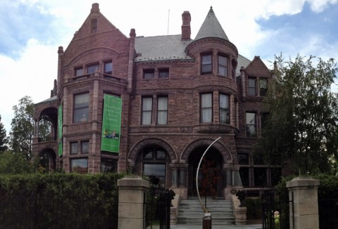 The Whitney, um casarão de 1894 na Woodward Avenue, midtown Detroit