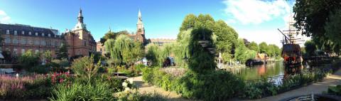 Panorama de um pedacinho do Tivoli Gardens em Copenhague