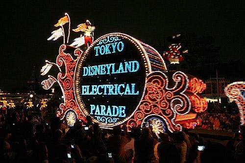 O desfile elétrico na Disneyland de Tóquio, 2006 - tão lindo quanto em Orlando