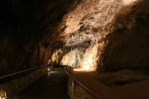 Trilha dentro da Carlsbad Cavern