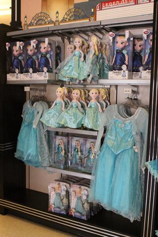 Fantasias e bonecas de Elsa