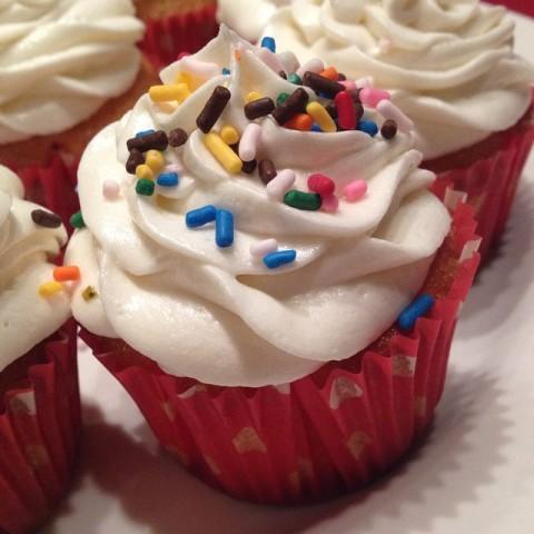 Vanilla Cupcake com a receita da Magnolia Bakery - esse fui eu que fiz