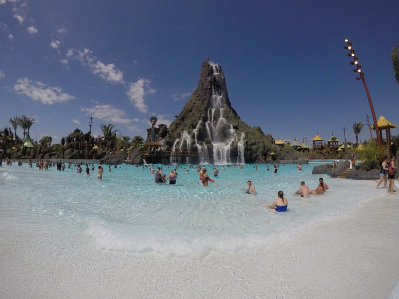Volcano Bay  o novo parque aquático da Universal Orlando - Colagem 3caa7b8d2f